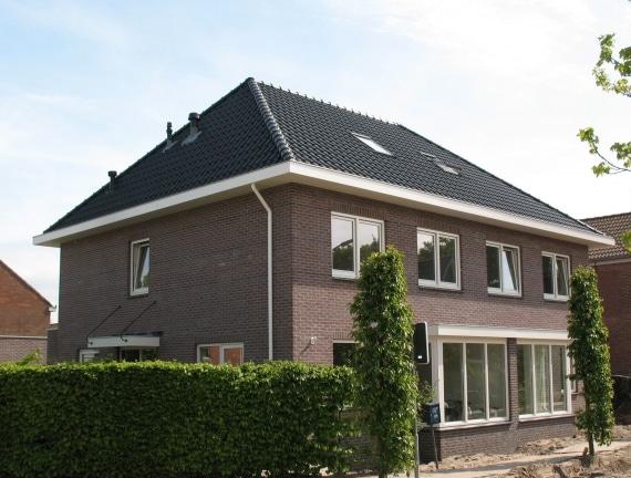 Klassieke 2-onder-1 kap woning te Noordwijkerhout
