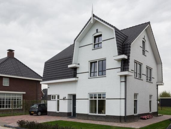 Woning met Mansardedak te Den Hoorn